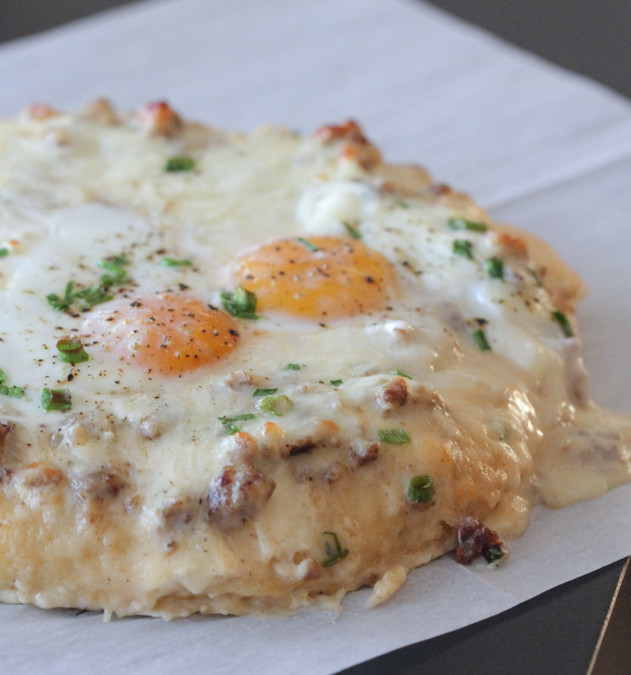 Breakfast Pizza With Gravy  breakfast pizza with gravy