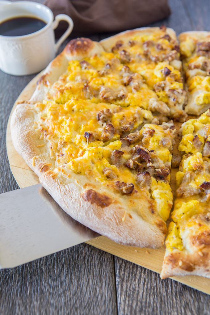 Breakfast Pizza With Gravy  Sausage Breakfast Pizza with Country Gravy Mutt & Chops