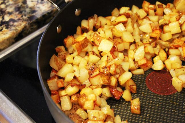 Breakfast Potatoes Skillet  Simple Skillet Breakfast Potatoes