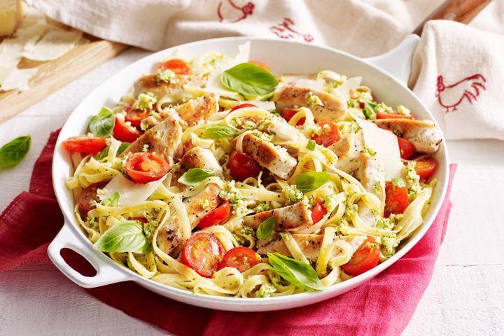 Broccoli Pesto Pasta  Chicken and broccoli pesto pasta