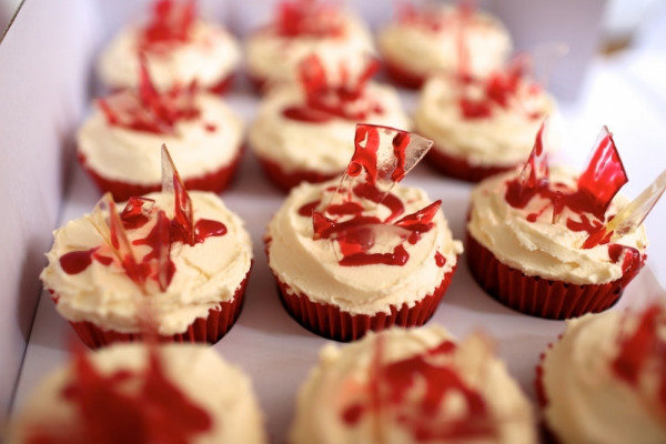 Broken Glass Cupcakes  7 Creepy Snacks to Serve at Your Halloween Party Food