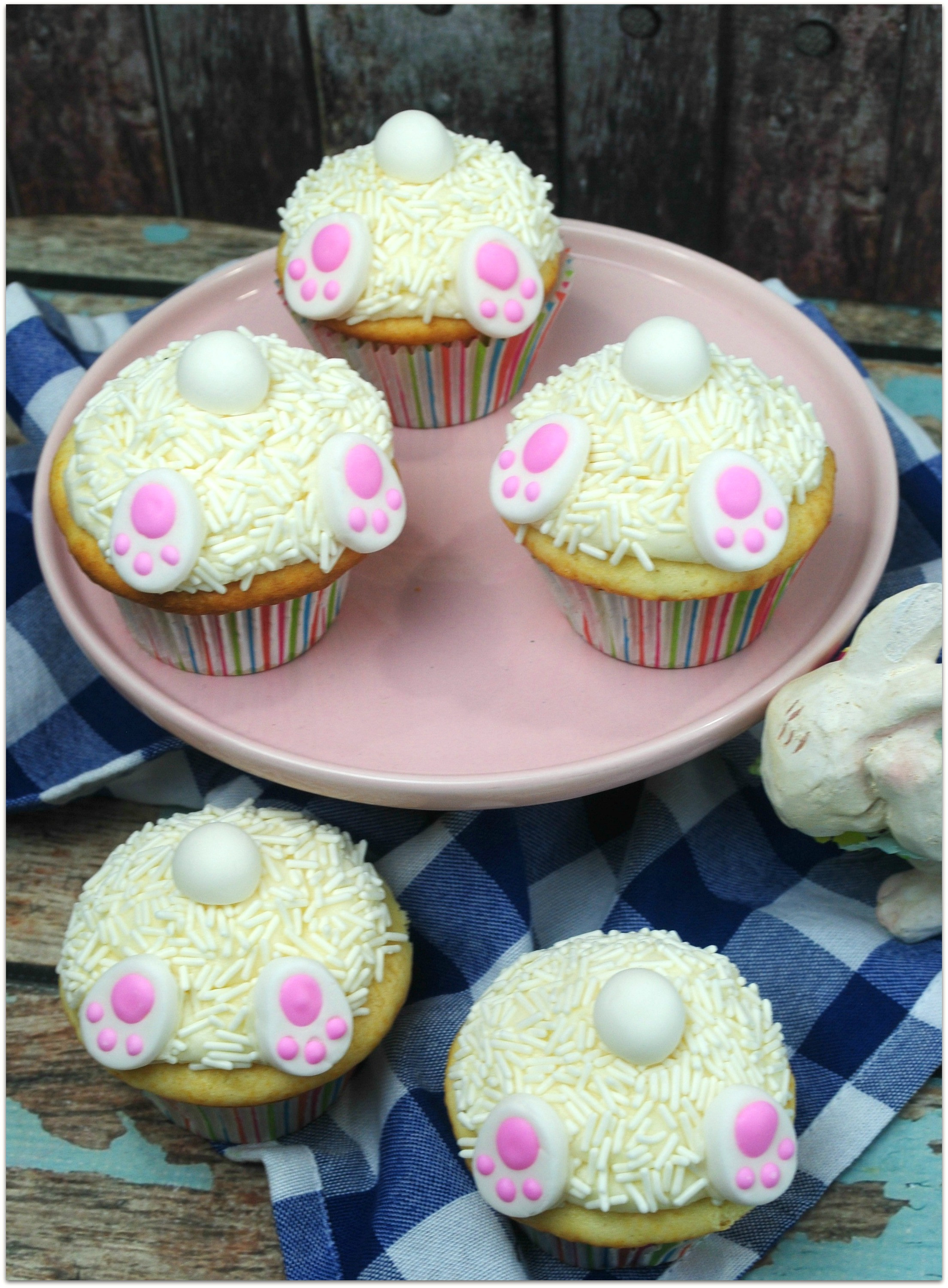 Bunny Butt Cupcakes  These Easter Bunny Cake Cupcakes are so adorable