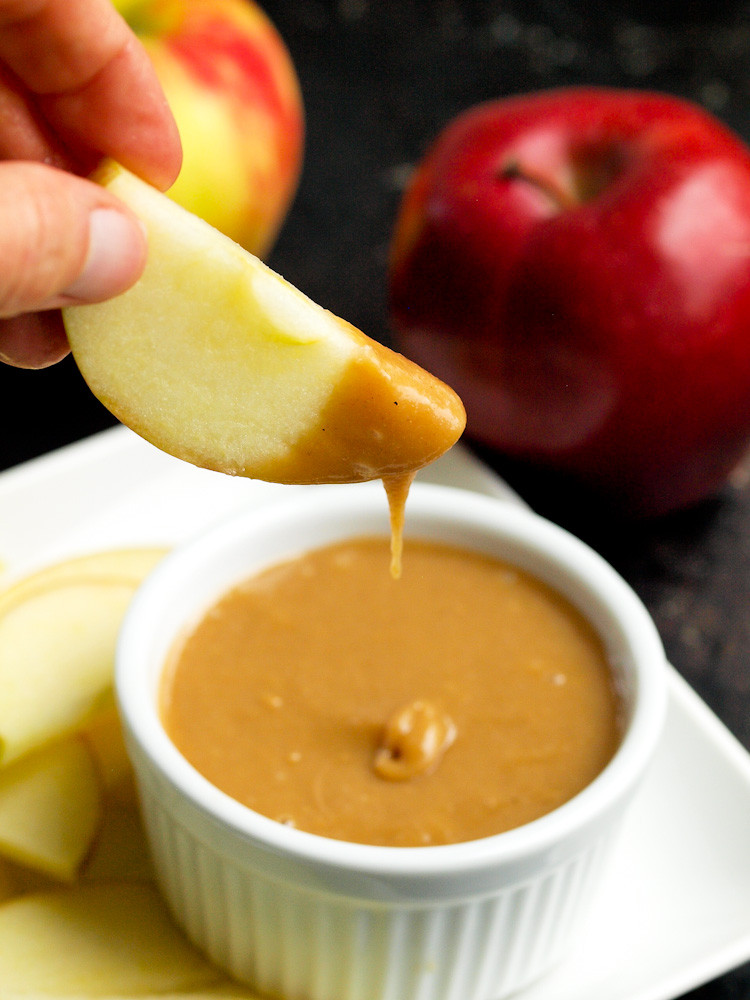 Caramel Sauce For Apples  how to make caramel for dipping apples