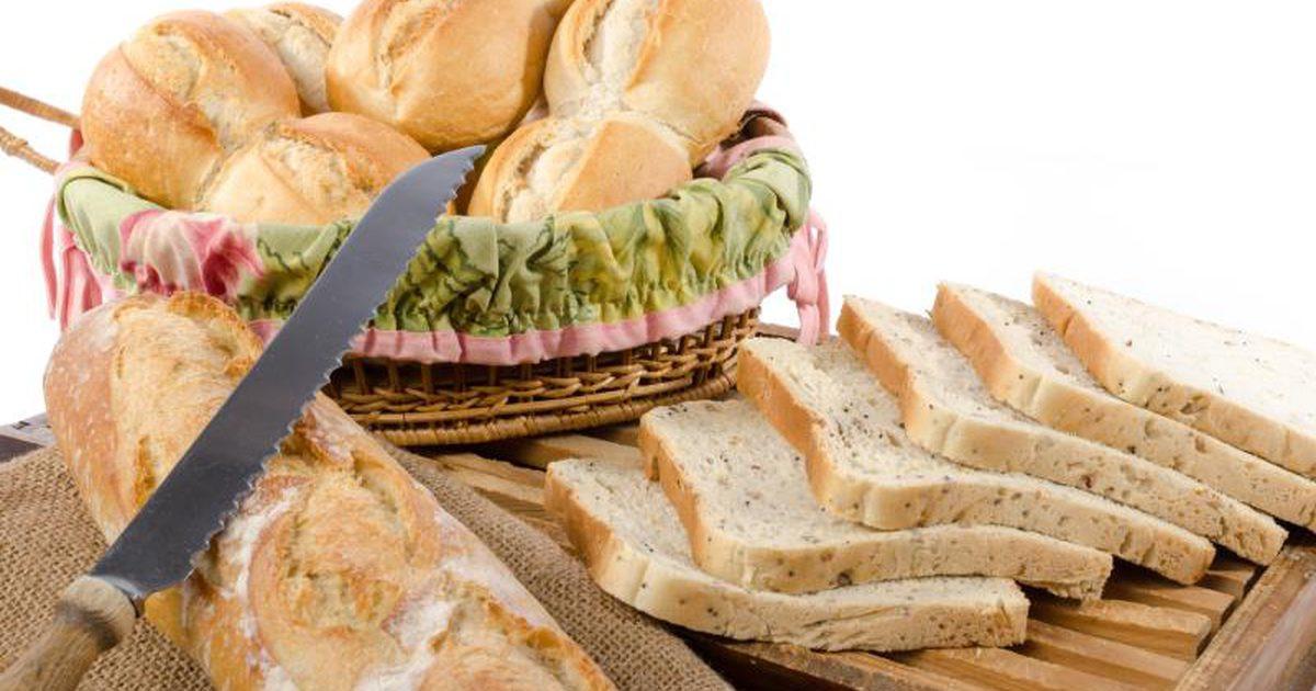 Carbs In White Bread  Carbohydrates in Whole Wheat Bread Vs White Bread