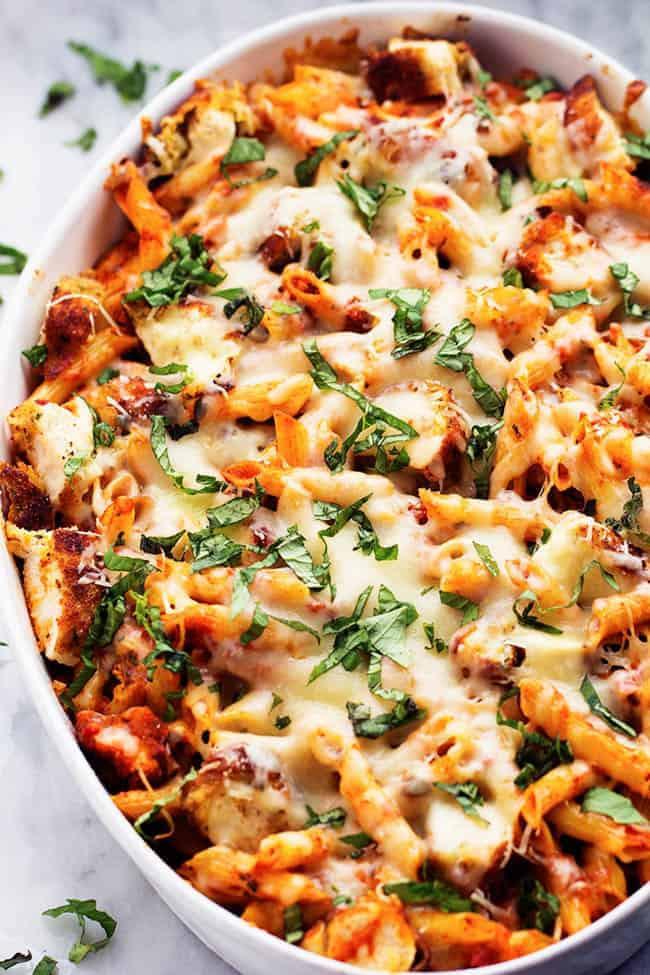 Casserole Recipes With Chicken  Chicken Parmesan Casserole