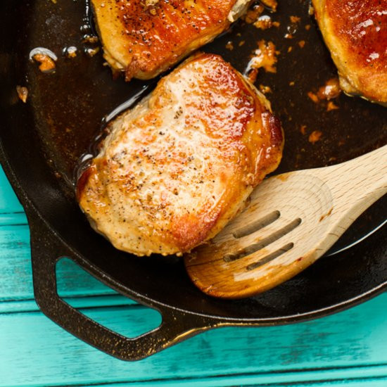 Cast Iron Skillet Pork Chops  10 of The Best Recipes To Make In Your Cast Iron Skillet