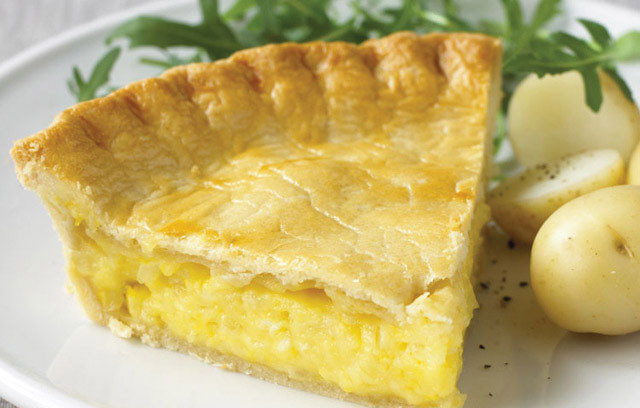 Cheese And Onion Pie  Cheese and ion Pie
