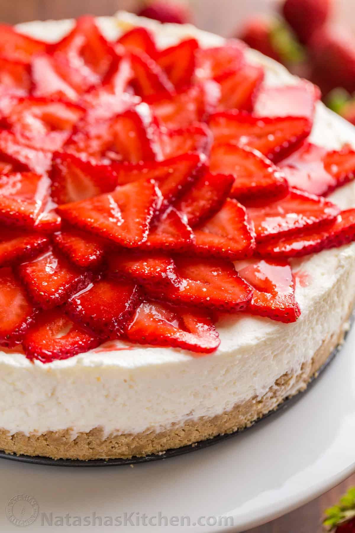 Cheesecake Recipe No Bake  No Bake Cheesecake with Strawberries VIDEO