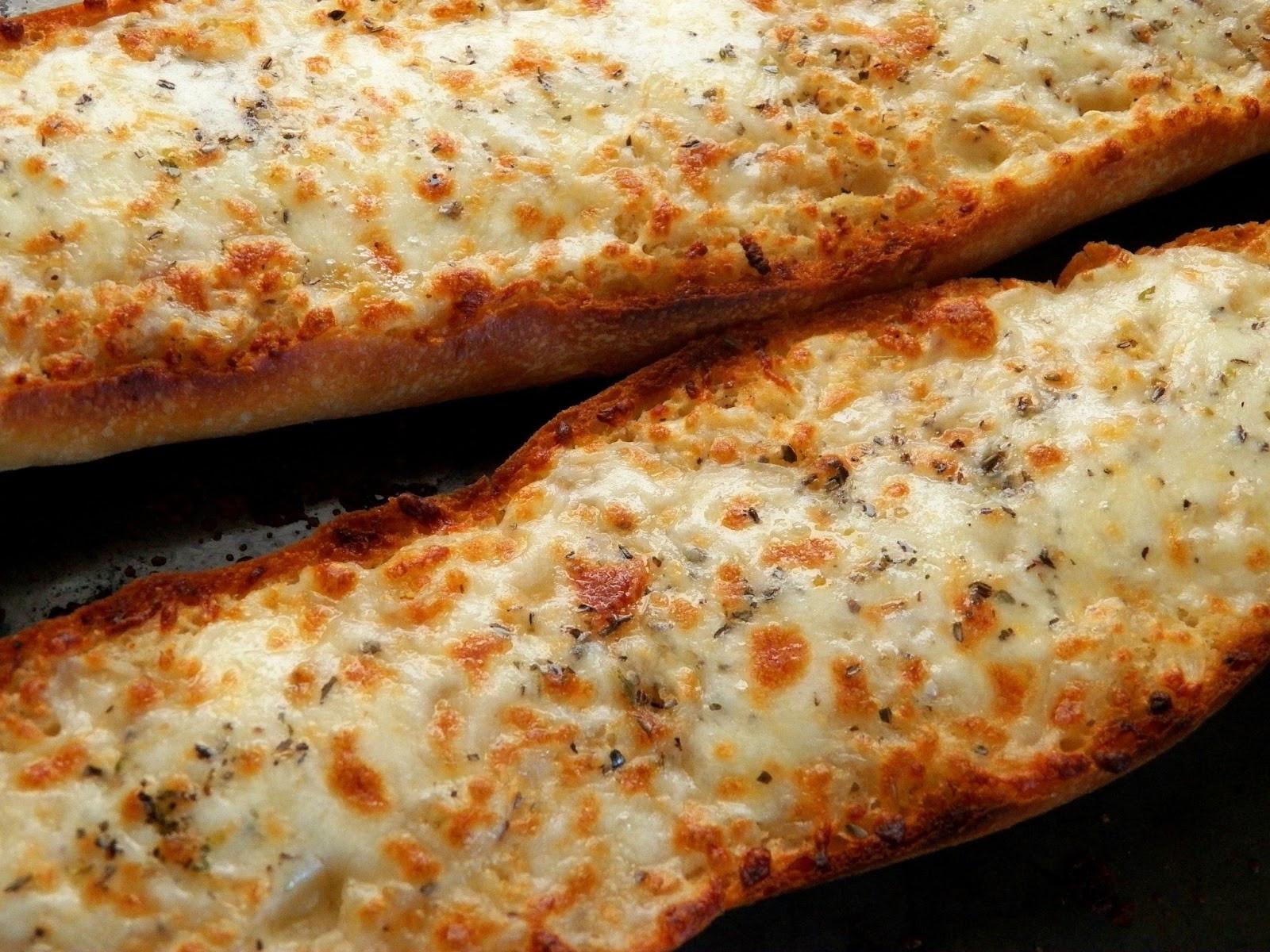 Cheesy Garlic Bread  fy Cuisine Home Recipes from Family & Friends Cheesy