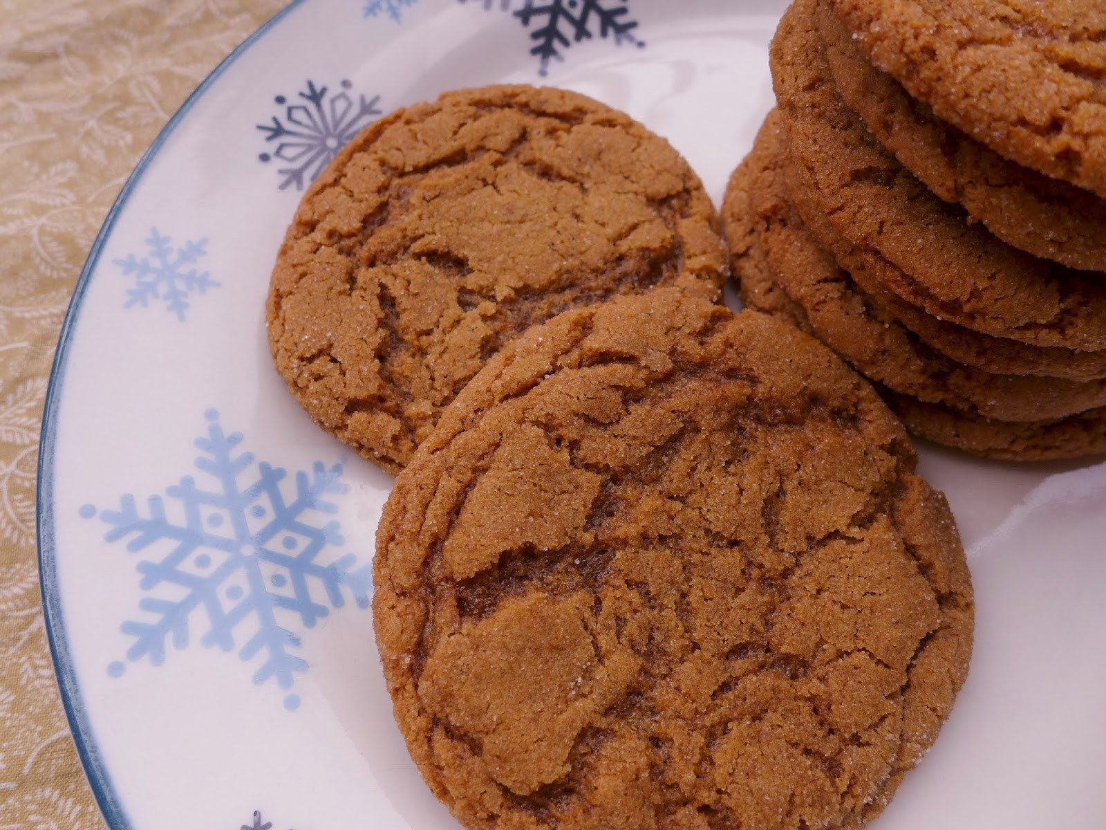Chewy Molasses Cookies  Dimples & Delights Chewy Molasses Spice Cookies & Black s