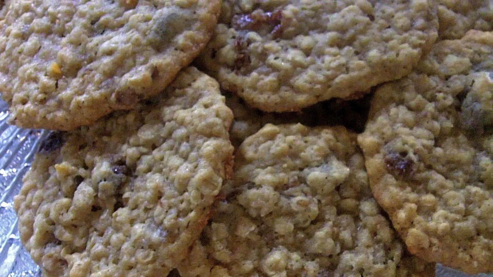 Chewy Oatmeal Cookies Recipe  Chewy oatmeal raisin cookes recipe