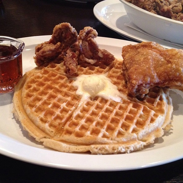 Chicago Chicken And Waffles  Eating for Sanity Chicago s Home of Chicken and Waffles
