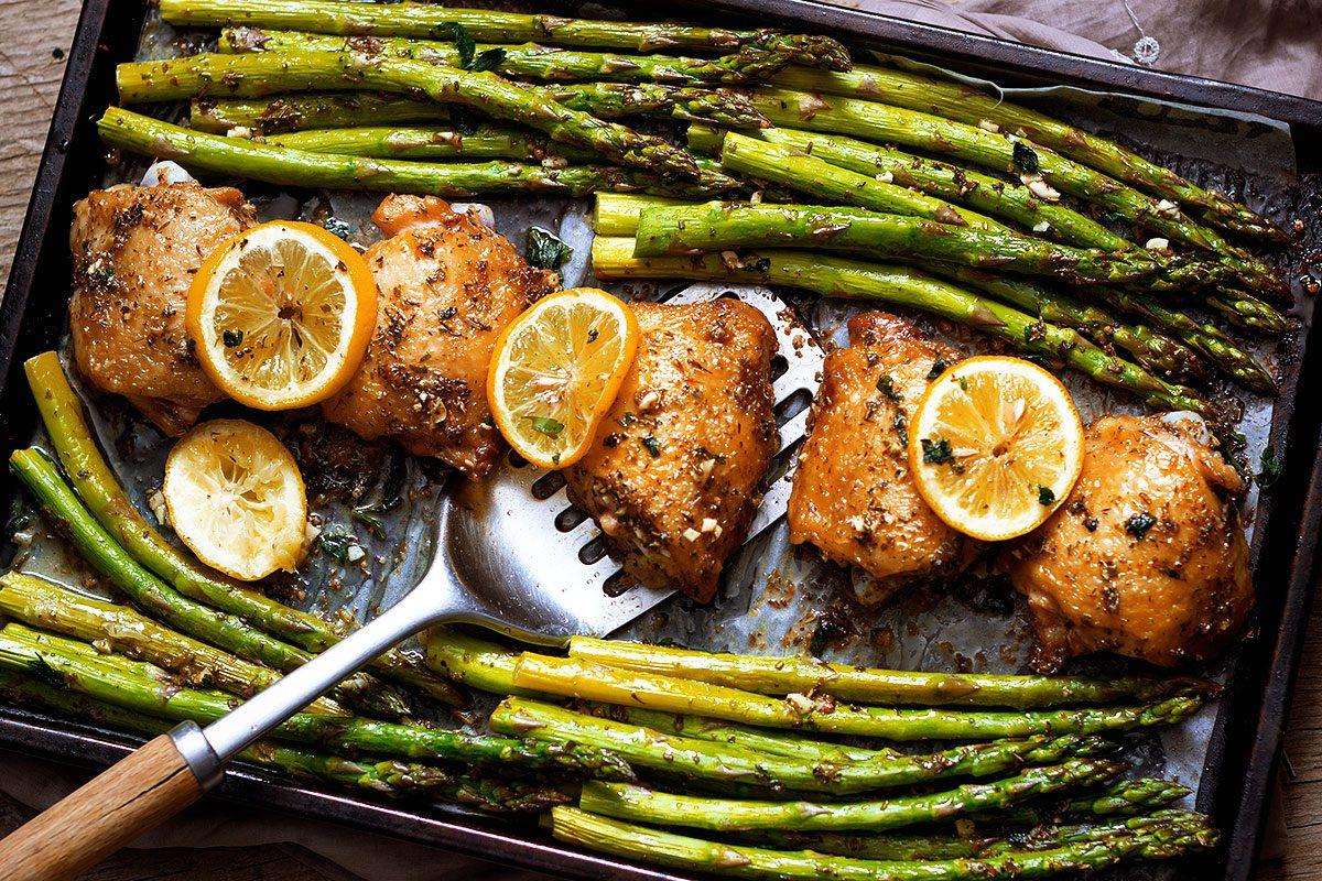 Chicken And Asparagus Recipe  Garlic Butter Chicken Recipe and Asparagus — Eatwell101