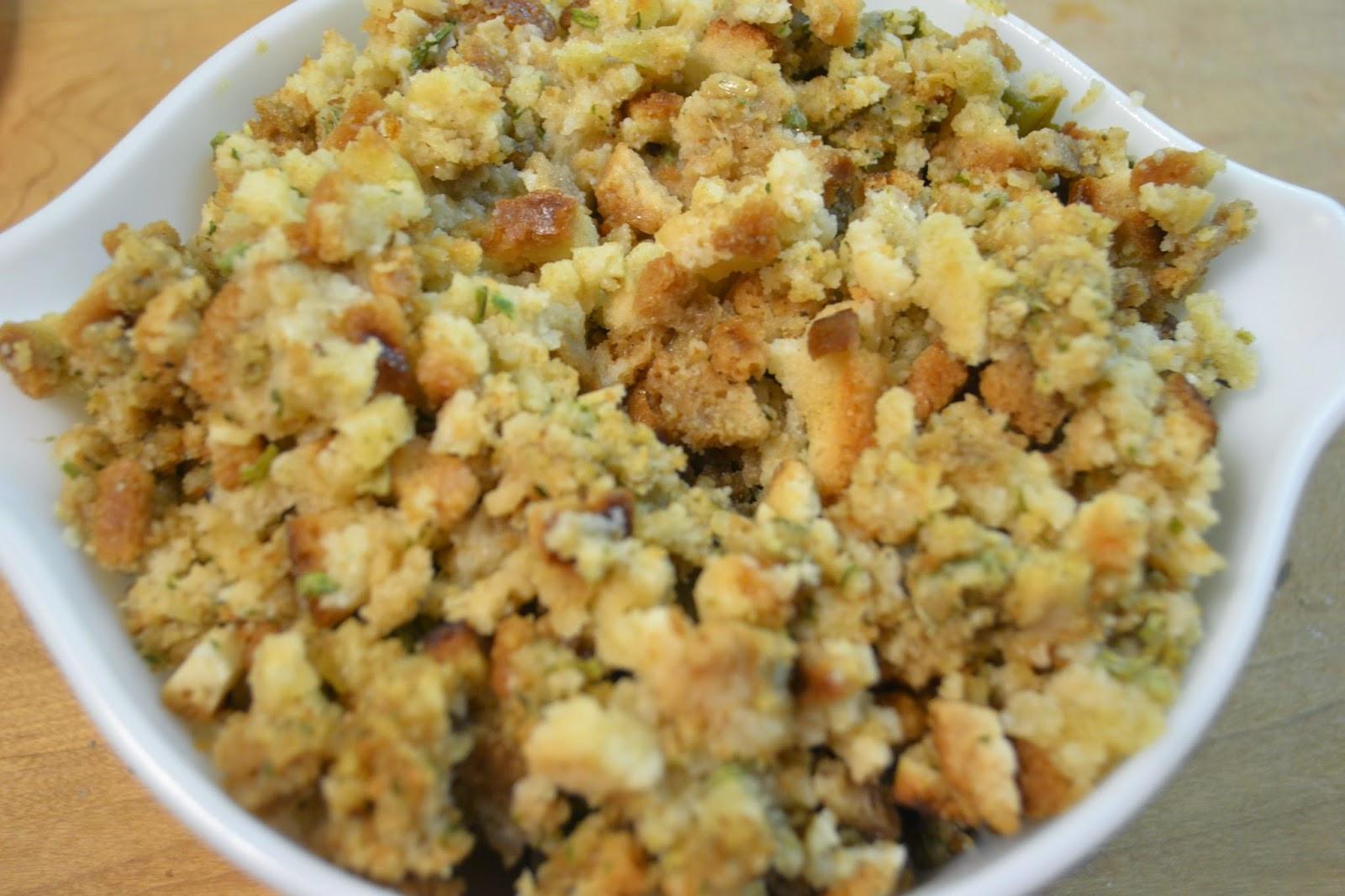 Chicken And Stuffing Casserole  TIP GARDEN Chicken & Stuffing Casserole
