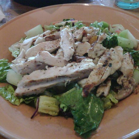 Chicken Caesar Salad Calories  applebees nutrition chicken caesar salad