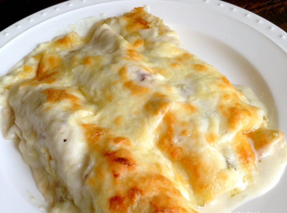 Chicken Enchiladas With Sour Cream Sauce  Chicken Enchiladas with Sour Cream White sauce Recipe