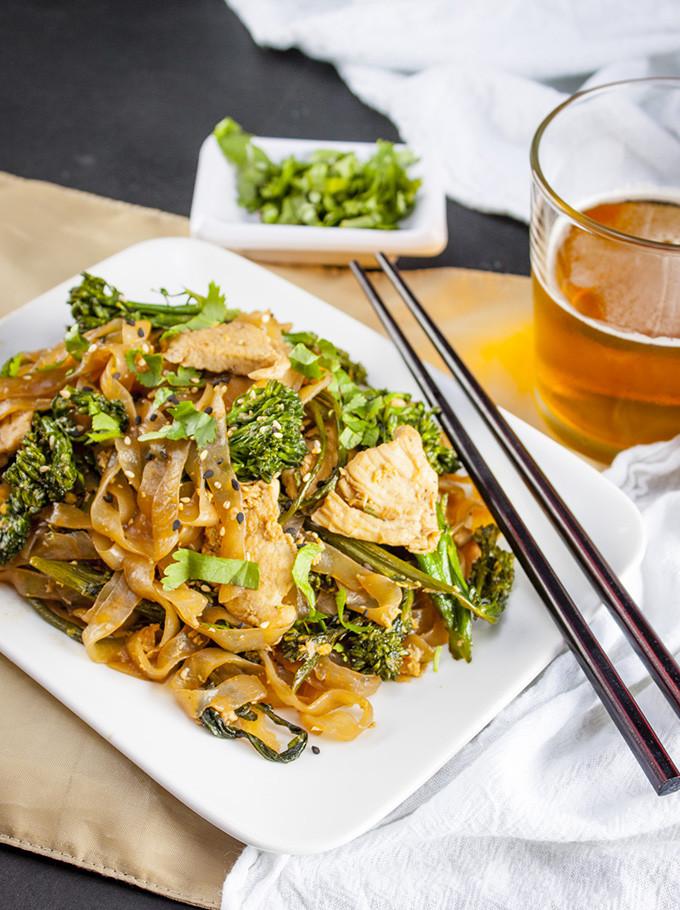 Chicken Pad Thai Calories  thai food calories pad thai
