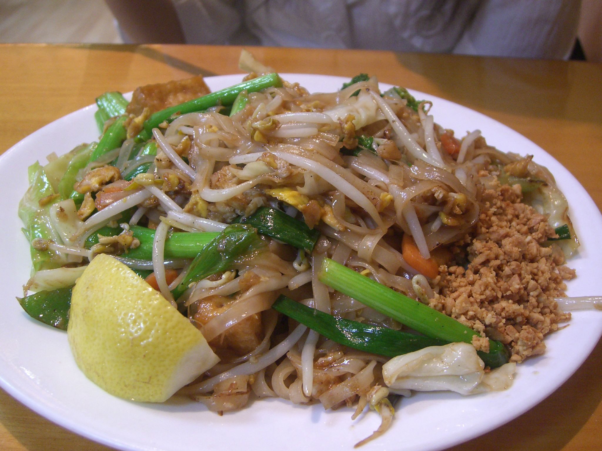 Chicken Pad Thai Calories  Eight Great Foods To Feed the Wanderlust