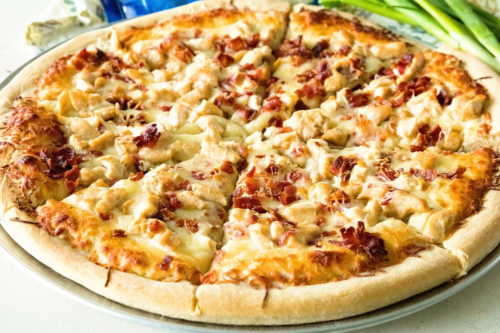 Chicken Ranch Pizza  Chicken Bacon Ranch Pizza VIDEO Julie s Eats & Treats