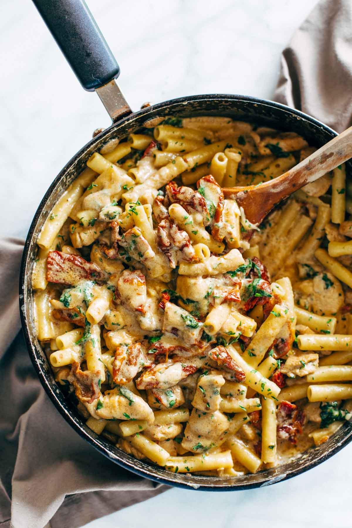 Chicken Tomato Pasta  creamy chicken and semi dried tomato pasta