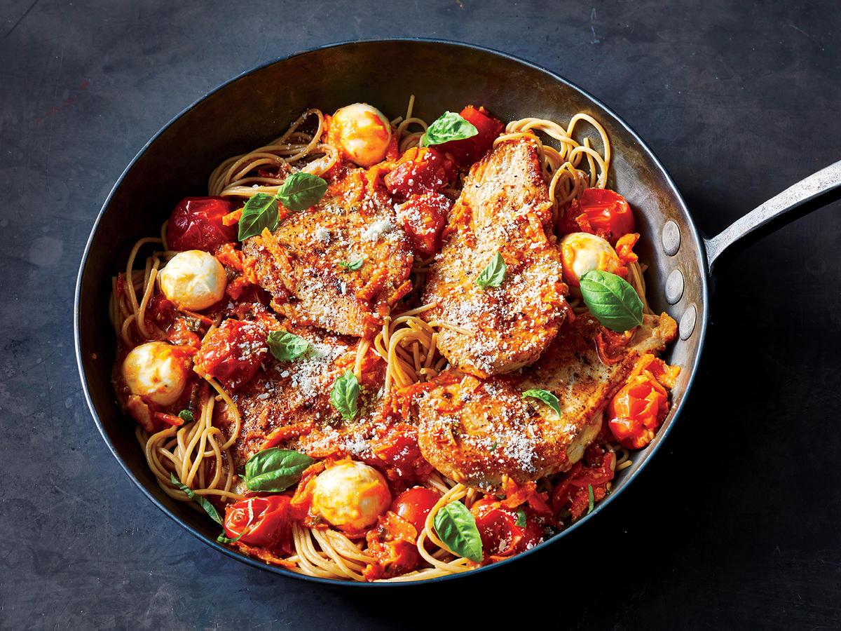 Chicken Tomato Pasta  Make This 20 Minute Tomato Basil and Chicken Pasta