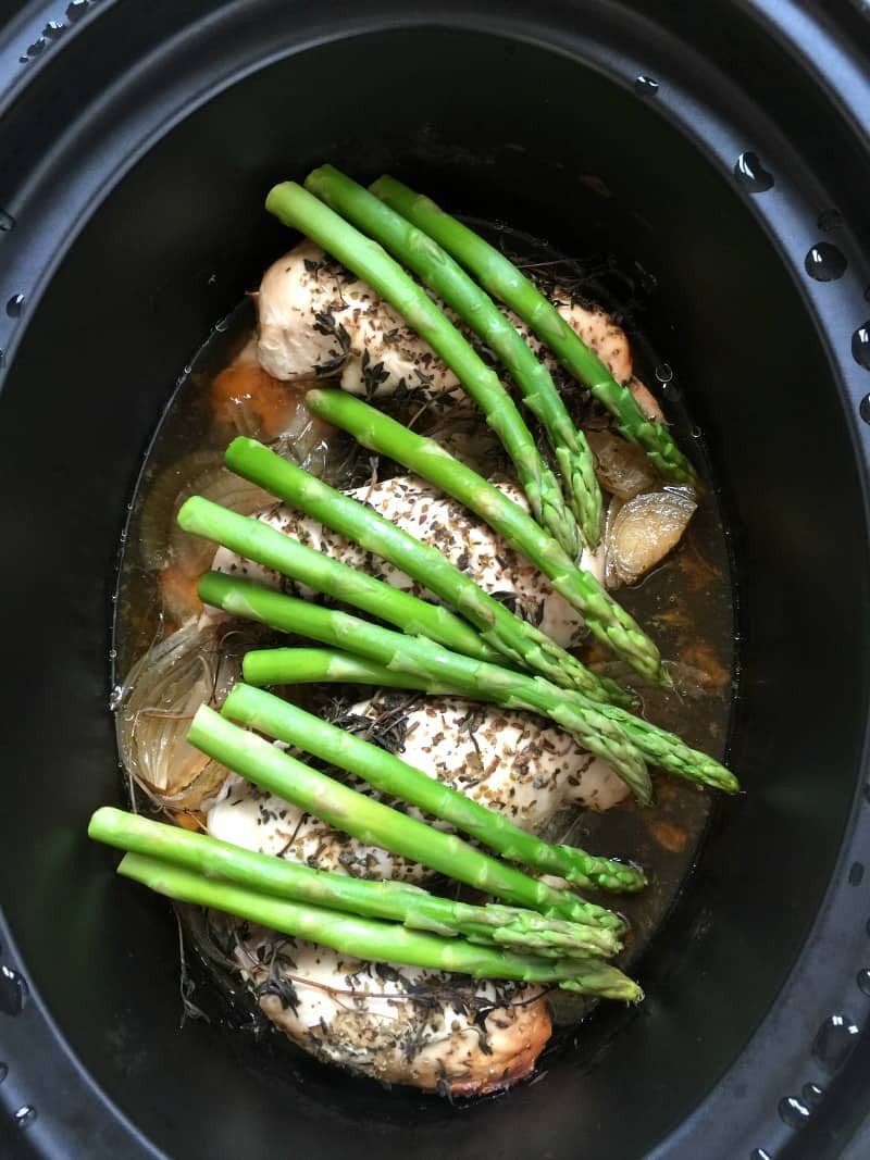 Chicken With Asparagus  Slow Cooker Lemon and Herb Chicken with Asparagus