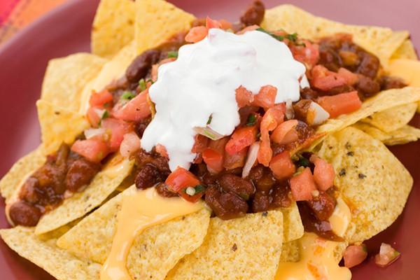 Chili Cheese Nachos  Ooey Gooey Chili Cheese Nachos