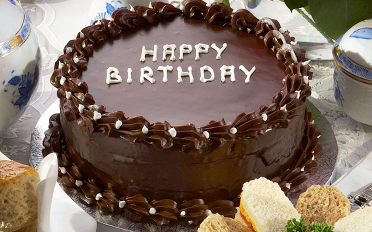 Chocolate Birthday Cake  Queen Elizabeth II s birthday chocolate cake recipe