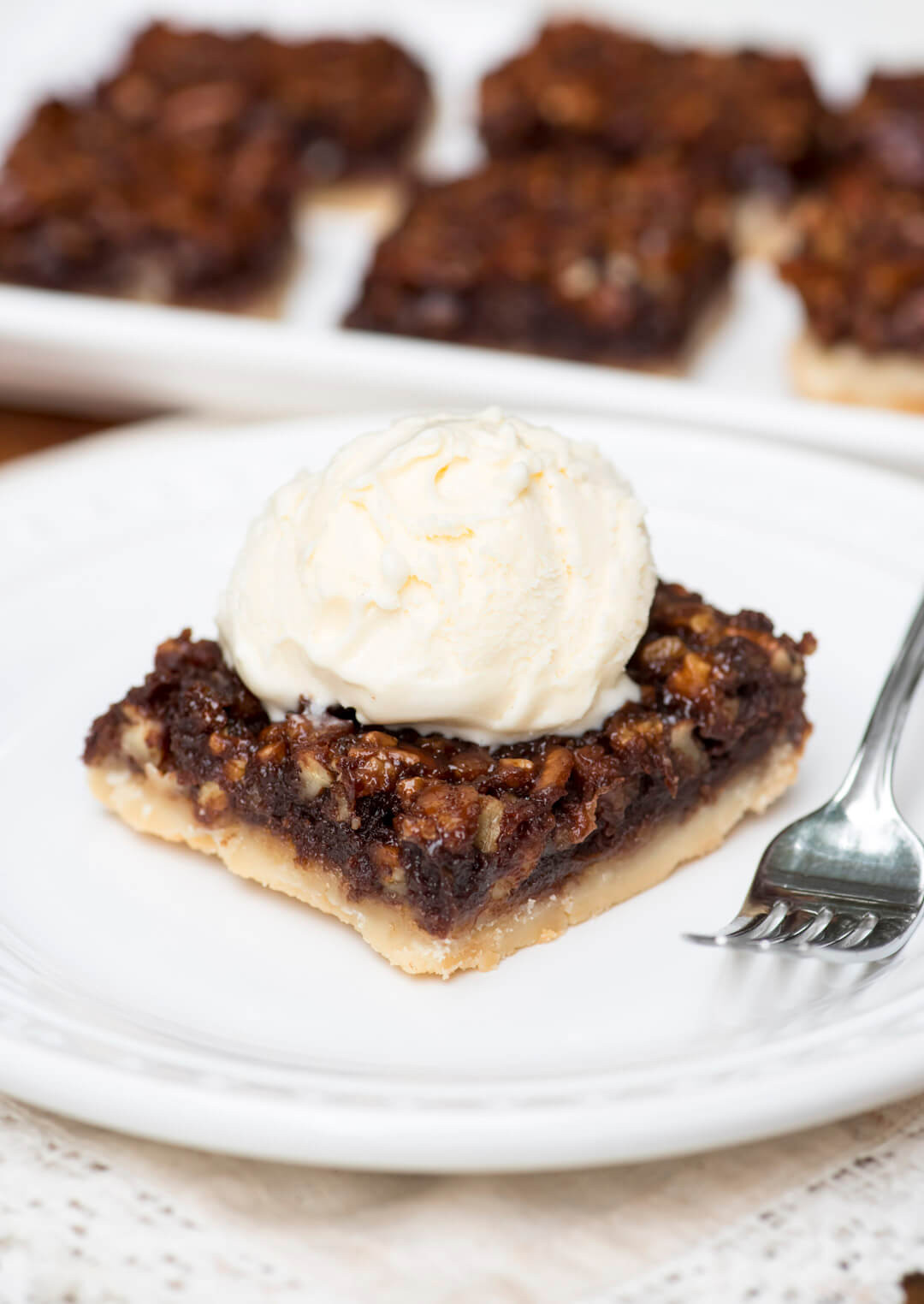 Chocolate Bourbon Pecan Pie  Chocolate Bourbon Pecan Pie Bars
