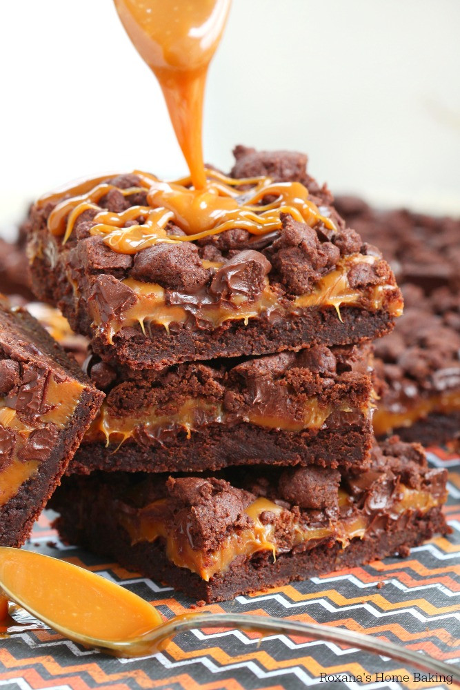 Chocolate Caramel Desserts  ooey gooey chocolate caramel dessert