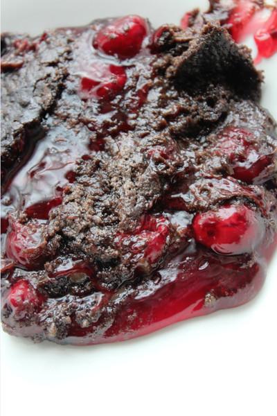 Chocolate Cherry Dump Cake  3 Ingre nt Chocolate Cherry Dump Cake