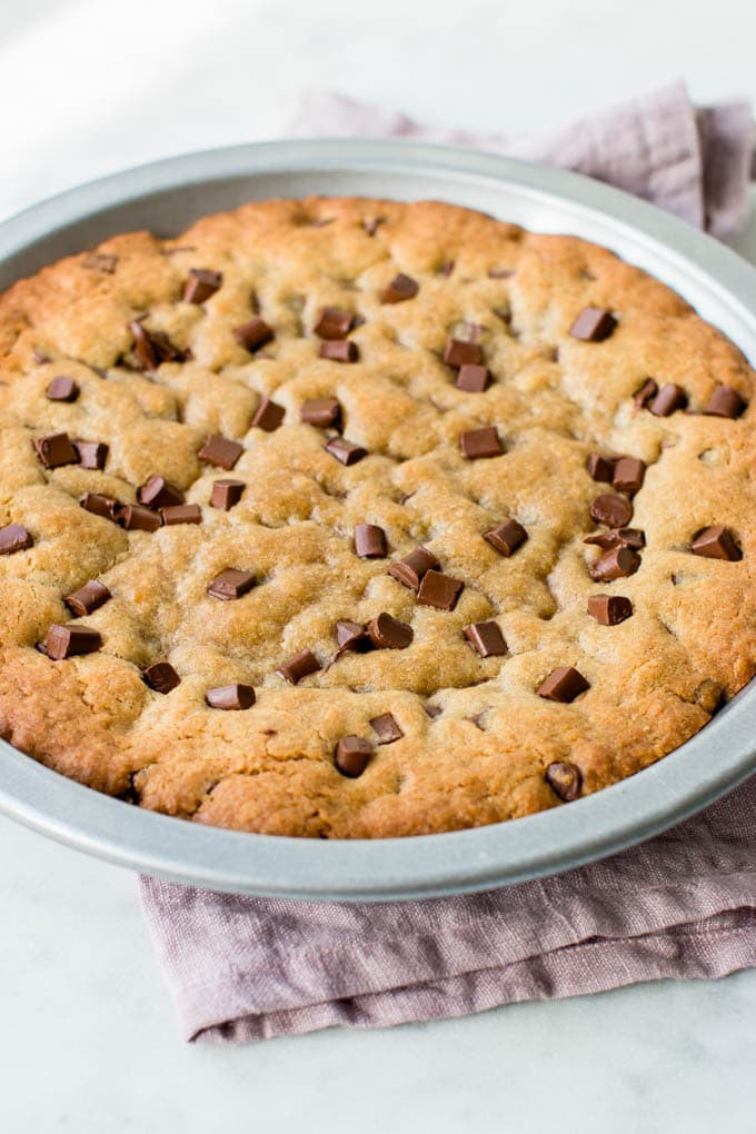 Chocolate Chip Cookie Cake  Ultimate Chocolate Chip Cookie Cake Video Pretty