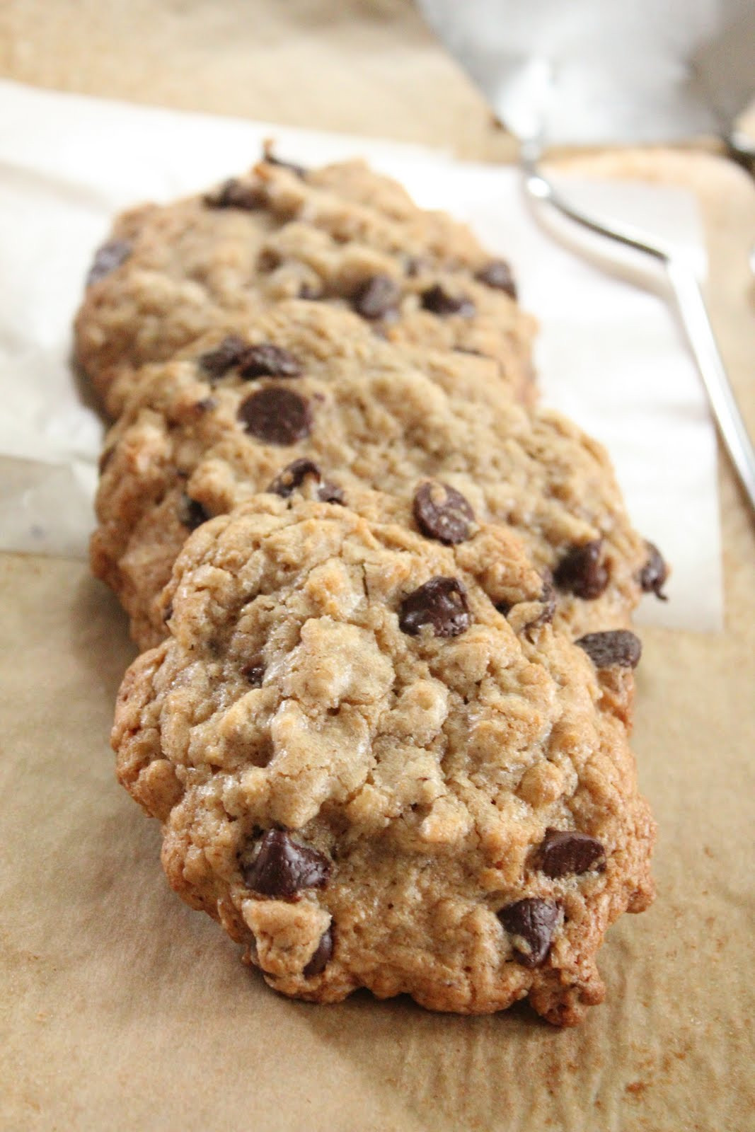 Chocolate Chip Oatmeal Cookies  Ultimate healthier oatmeal and chocolate chip cookies