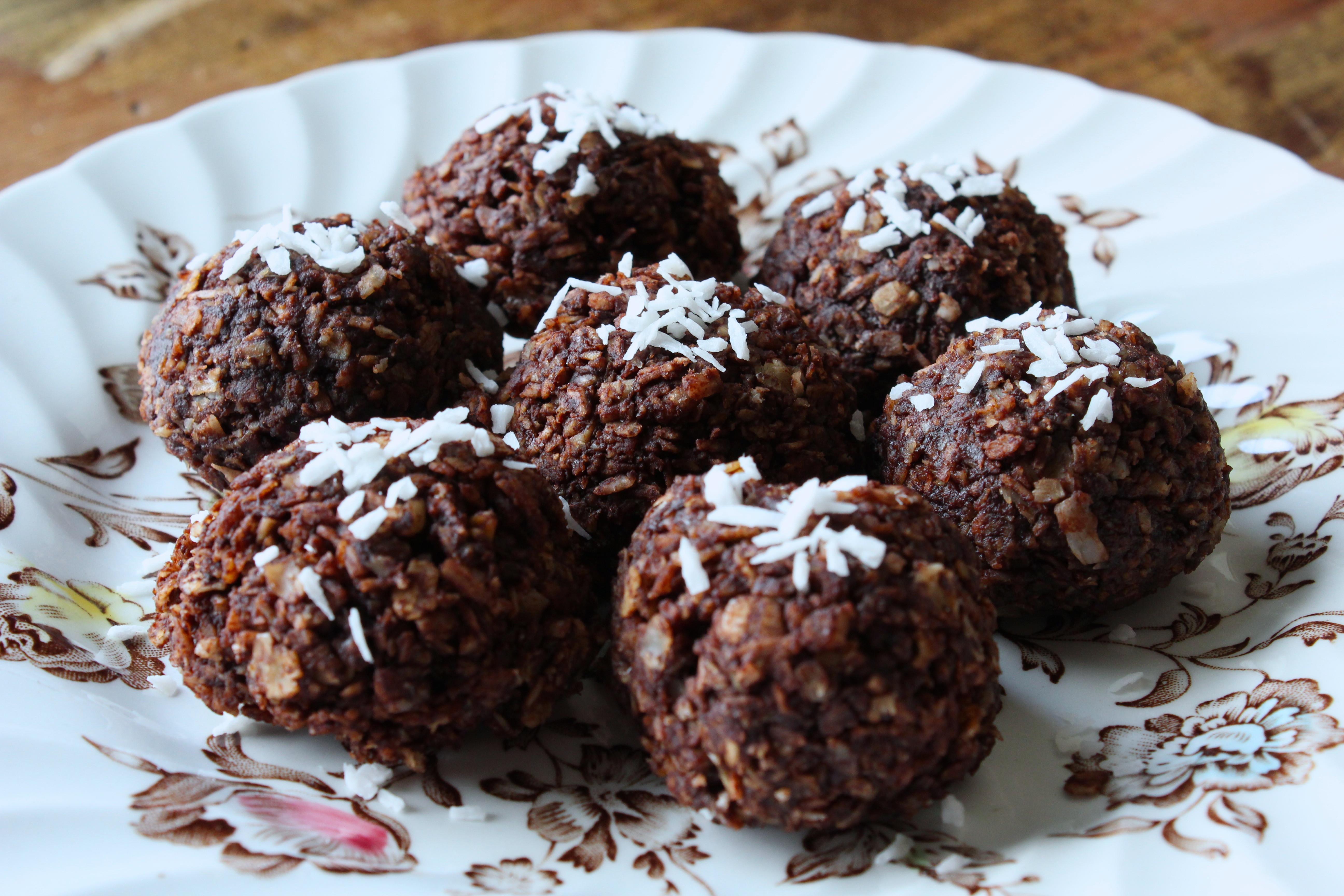 Chocolate Coconut Macaroons  Chocolate Coconut Macaroons No Bake