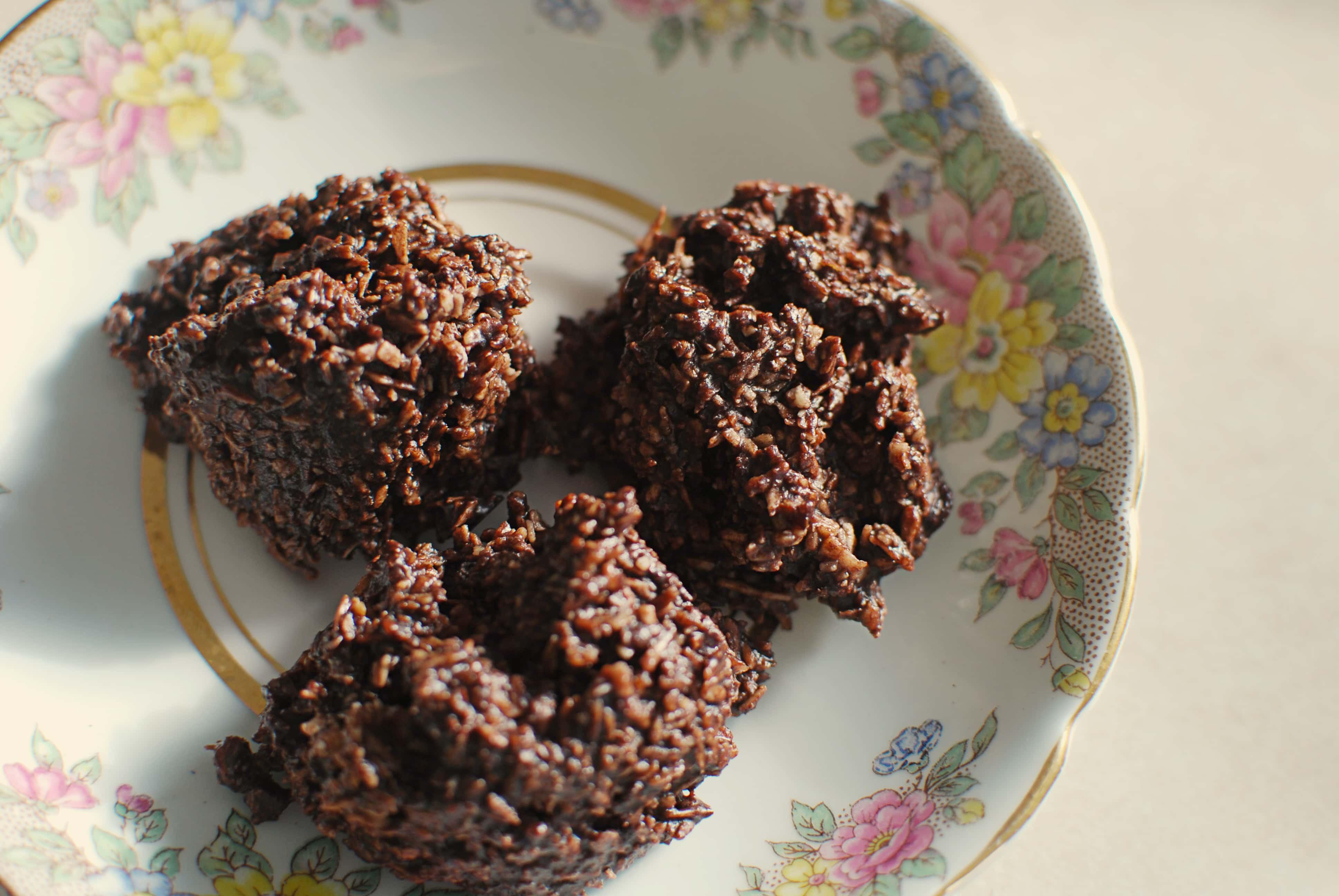 Chocolate Coconut Macaroons  No Bake Chocolate Coconut Macaroons Grain free Dairy