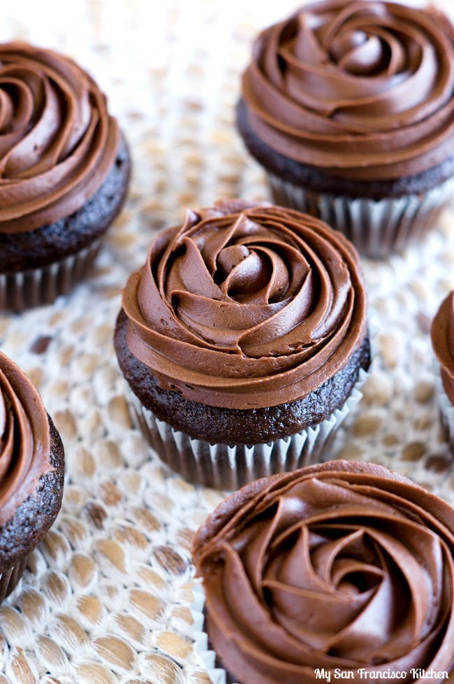Chocolate Filling Cupcakes  Chocolate Pudding Filled Cupcakes