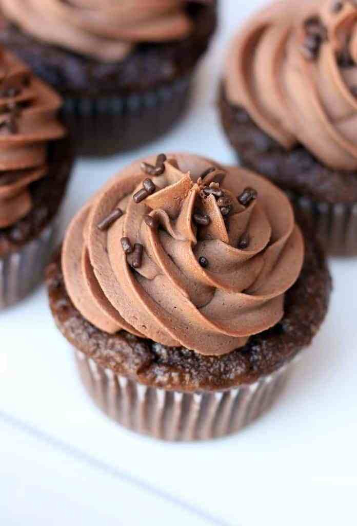 Chocolate Frosting Recipes  Chocolate Cupcakes with Chocolate Buttercream Frosting