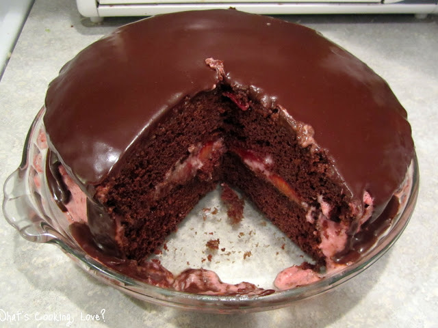 Chocolate Mousse Cake Filling  Chocolate Cake with Strawberry Mousse Filling Whats