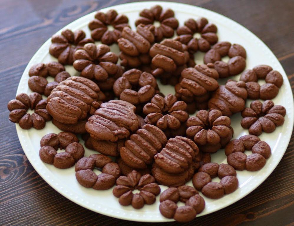 Chocolate Spritz Cookies  Delicious Spritz Cookie Recipes
