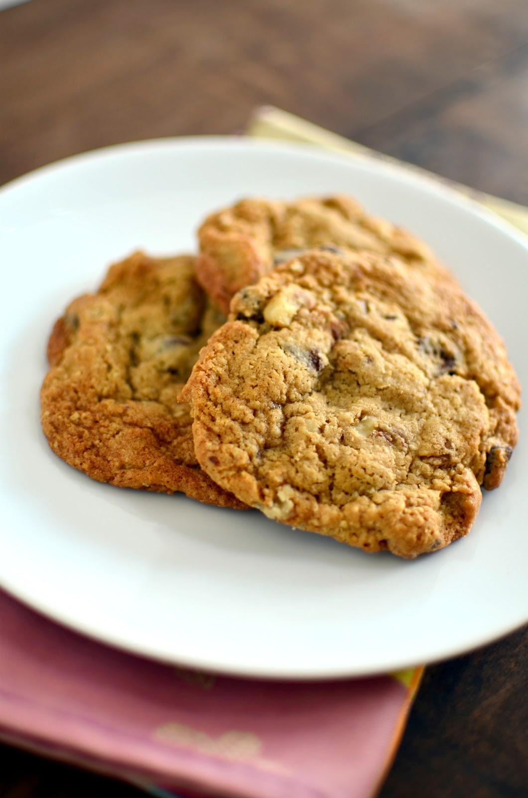 Chocolate Walnut Cookies  Apricosa Chocolate Chip Walnut Cookies
