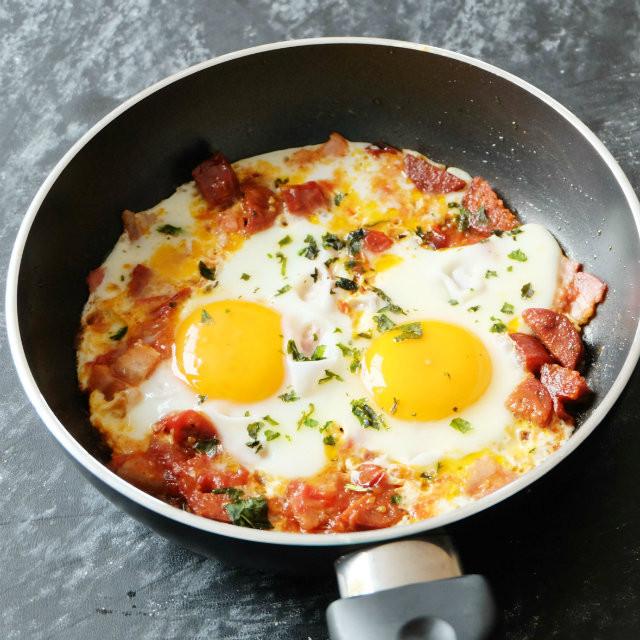 Chorizo Breakfast Recipes  e Pan Chorizo Egg Breakfast Recipe BIOHACKERS RECIPES