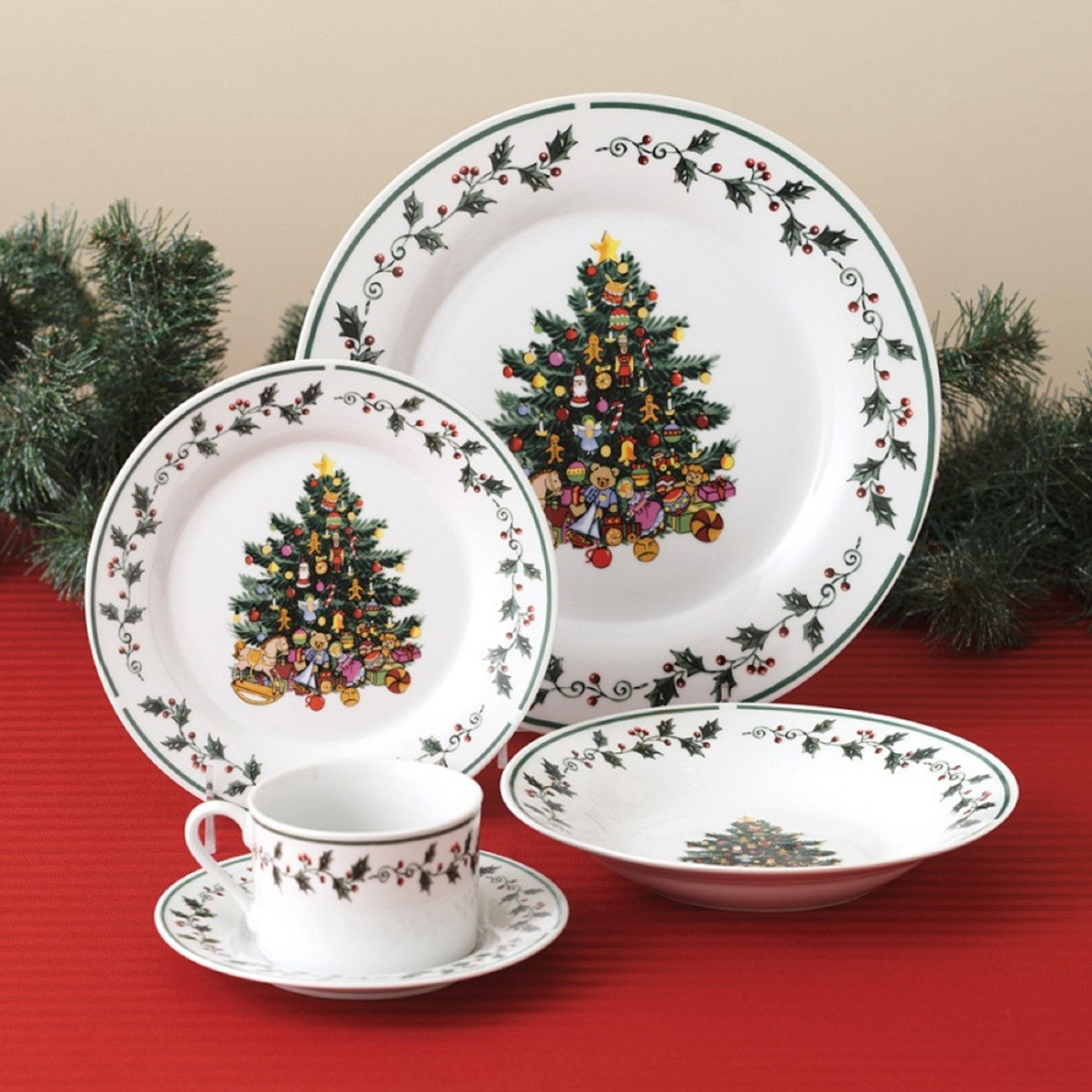 Christmas Dinner Plates  Christmas Holidays Tree Trimmings Holly 20 Piece Porcelain