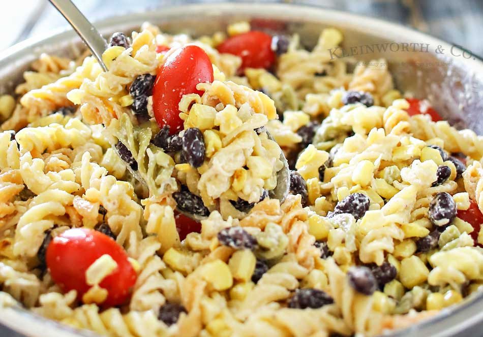 Christmas Side Dishes For A Crowd  Grilled Corn Pasta Salad is the perfect easy side dish