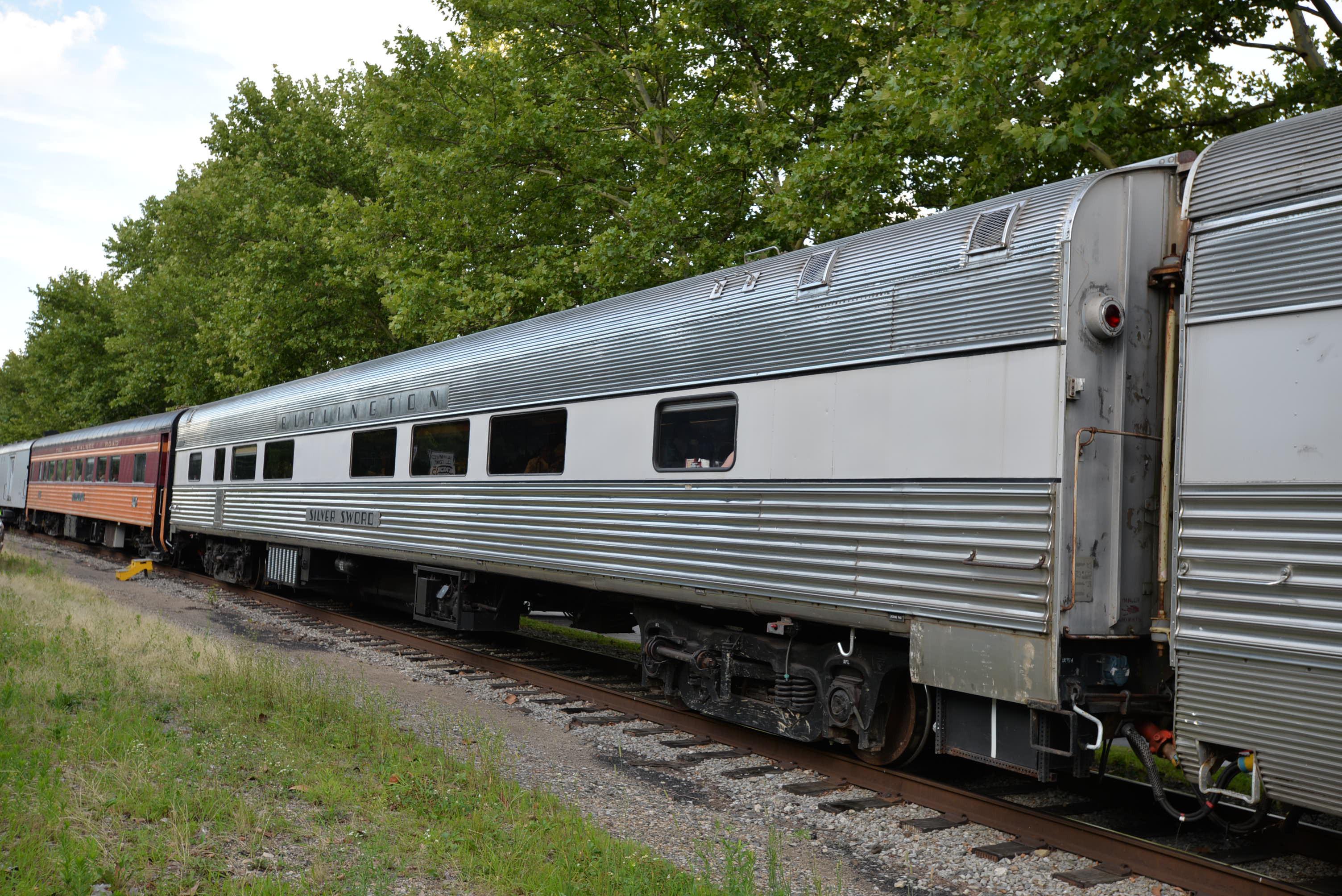 Cincinnati Dinner Train  The Silver Sword Cincinnati Dinner TrainCincinnati