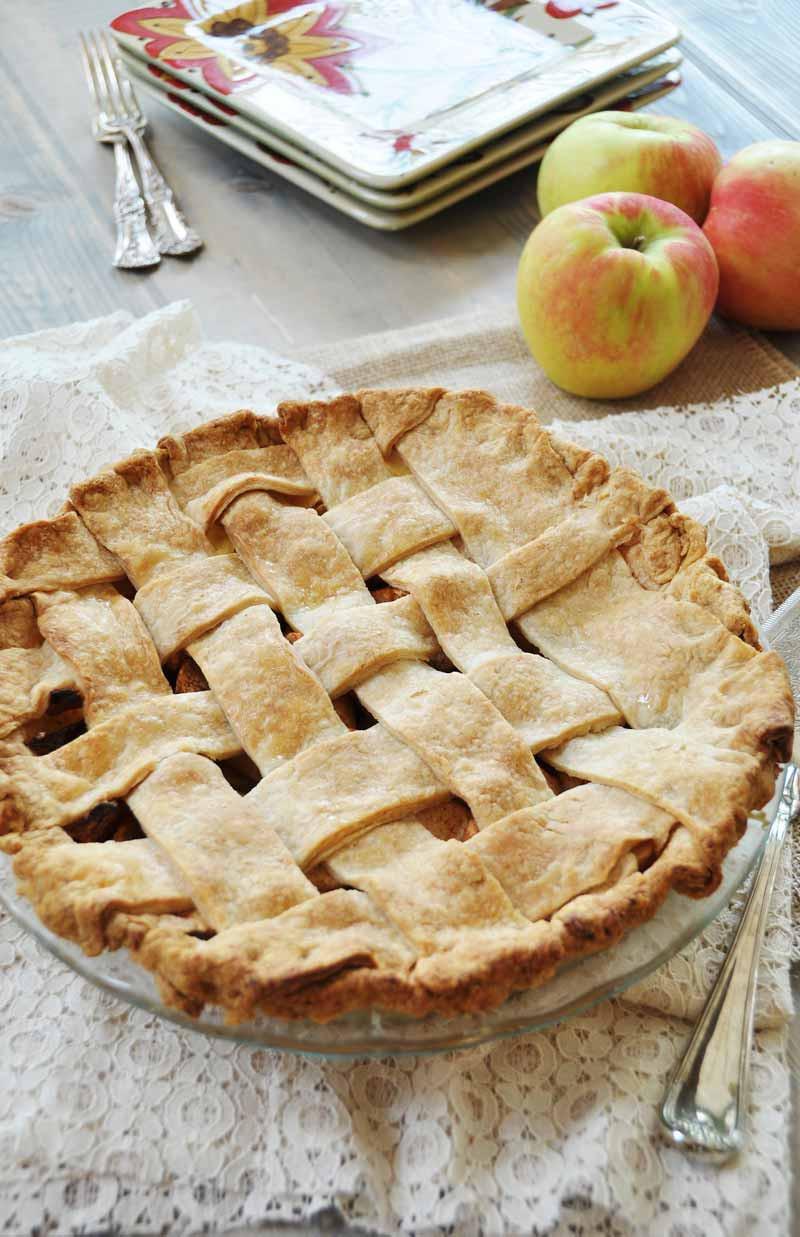 Cinnamon Apple Pie  Homemade Apple Cinnamon Pie With a Flaky Vegan Pie Crust
