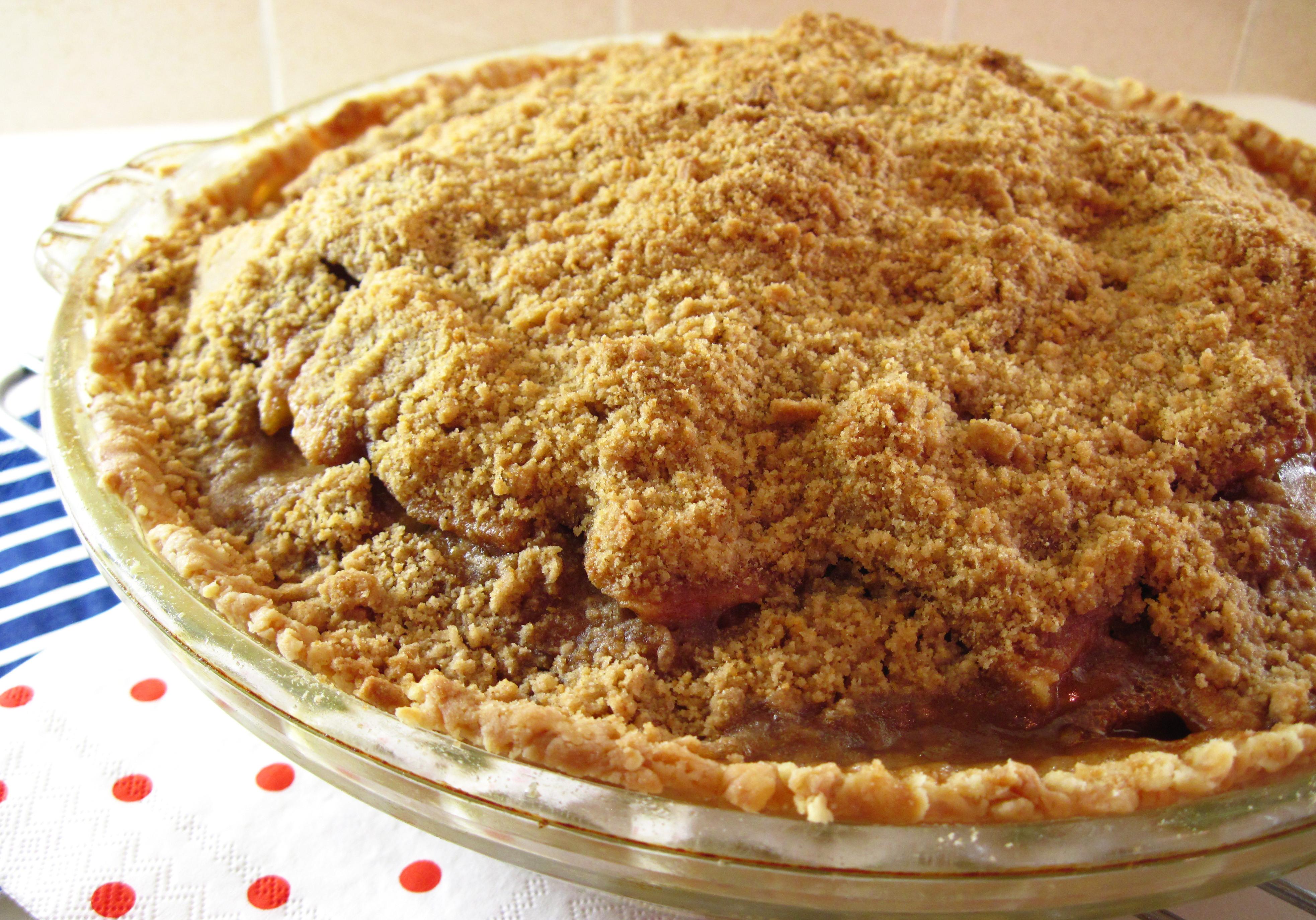 Cinnamon Apple Pie  Cinnamon Crumble Apple Pie