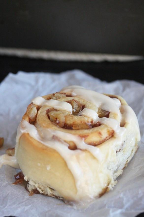 Cinnamon Roll Apple Pie  Apple Pie Cinnamon Rolls The Hopeless Housewife