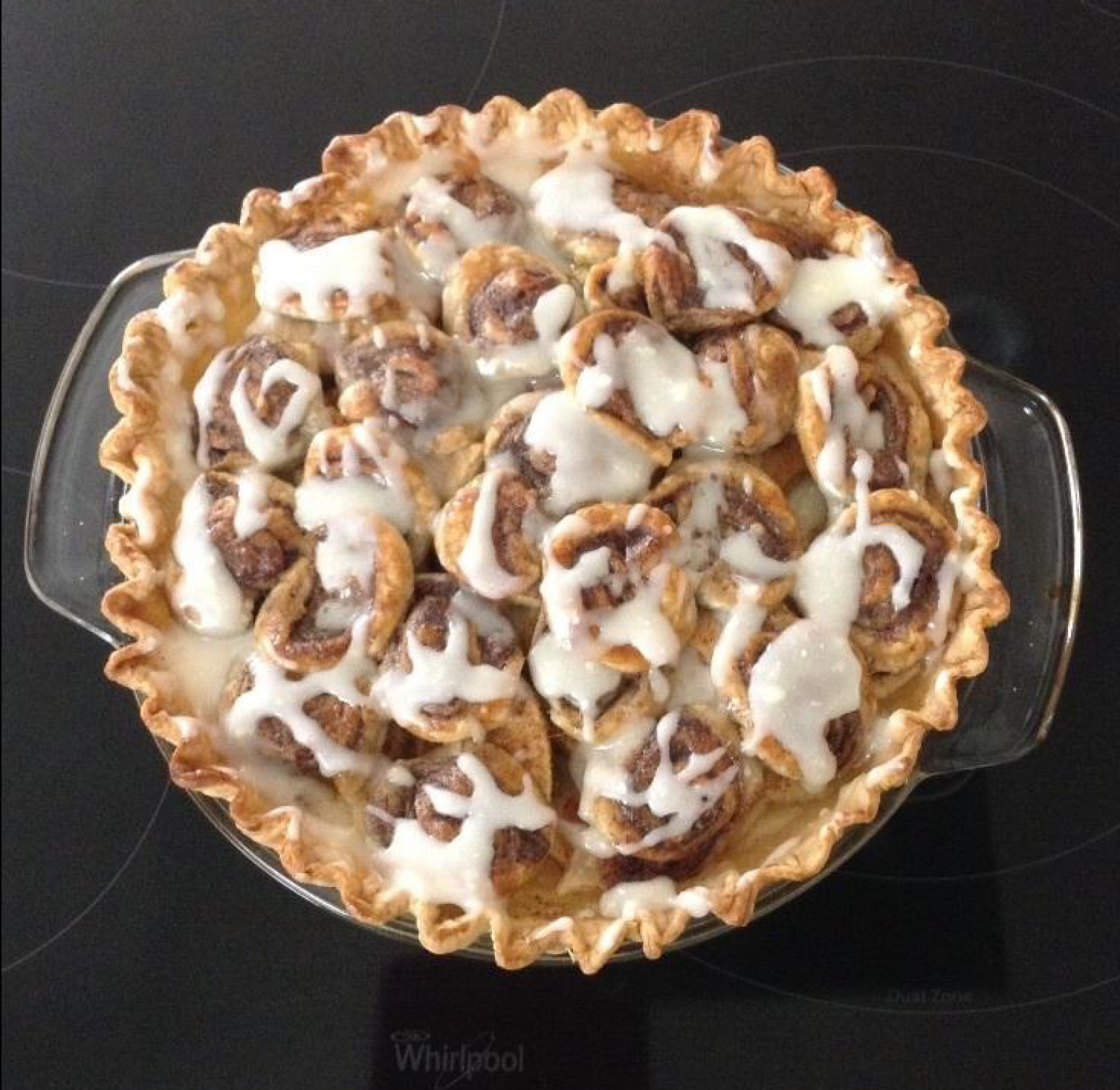 Cinnamon Roll Apple Pie  Cinnamon Roll Apple Cream Pie Recipe
