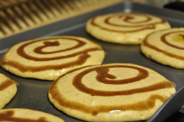 Cinnamon Swirl Pancakes  Cinnamon Swirl Pumpkin Pancakes