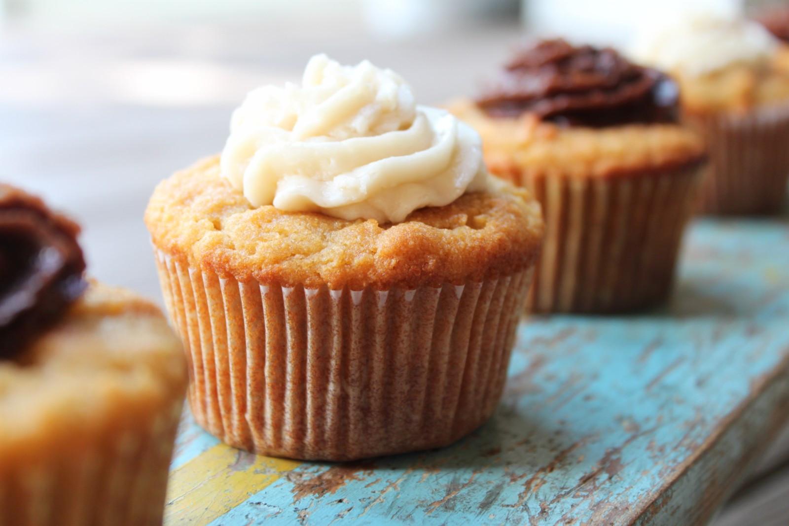 Coconut Flour Cupcakes  Vanilla Cupcakes with Coconut Flour